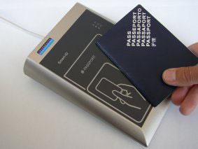 Elektronikus útlevél olvasó