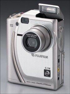 FinePix 4700