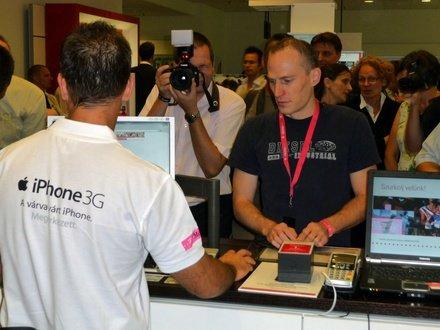 iPhone 3G-vásárló