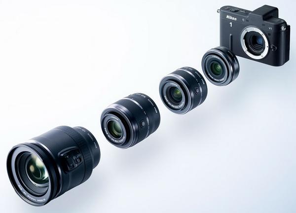 972d9cfbd97a A Nikon képviselői a bemutatón elmondták, hogy ez a kategória nem a kompakt  kategóriából nőtt ki, s nem is a DSLR-t butították le, hanem minden  részében egy ...