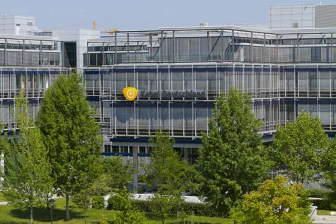A Vodafone bekebelezi a vezető német kábelcéget
