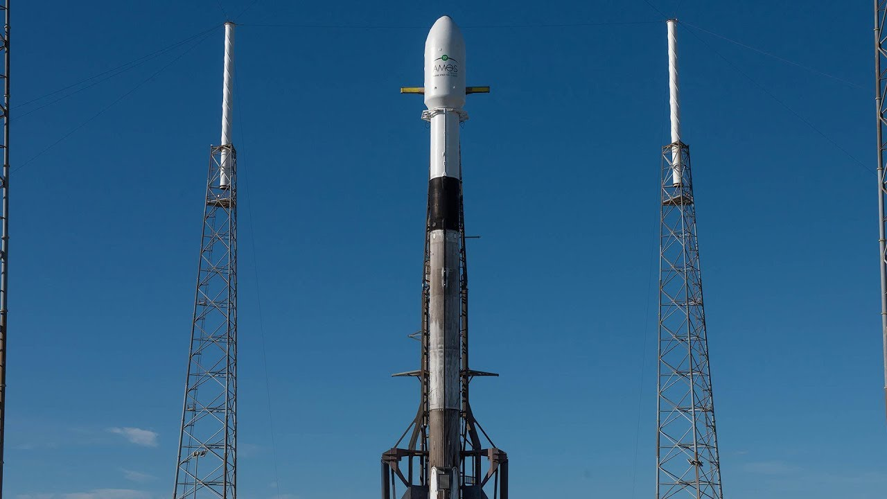 amos17_spacex_falcon9