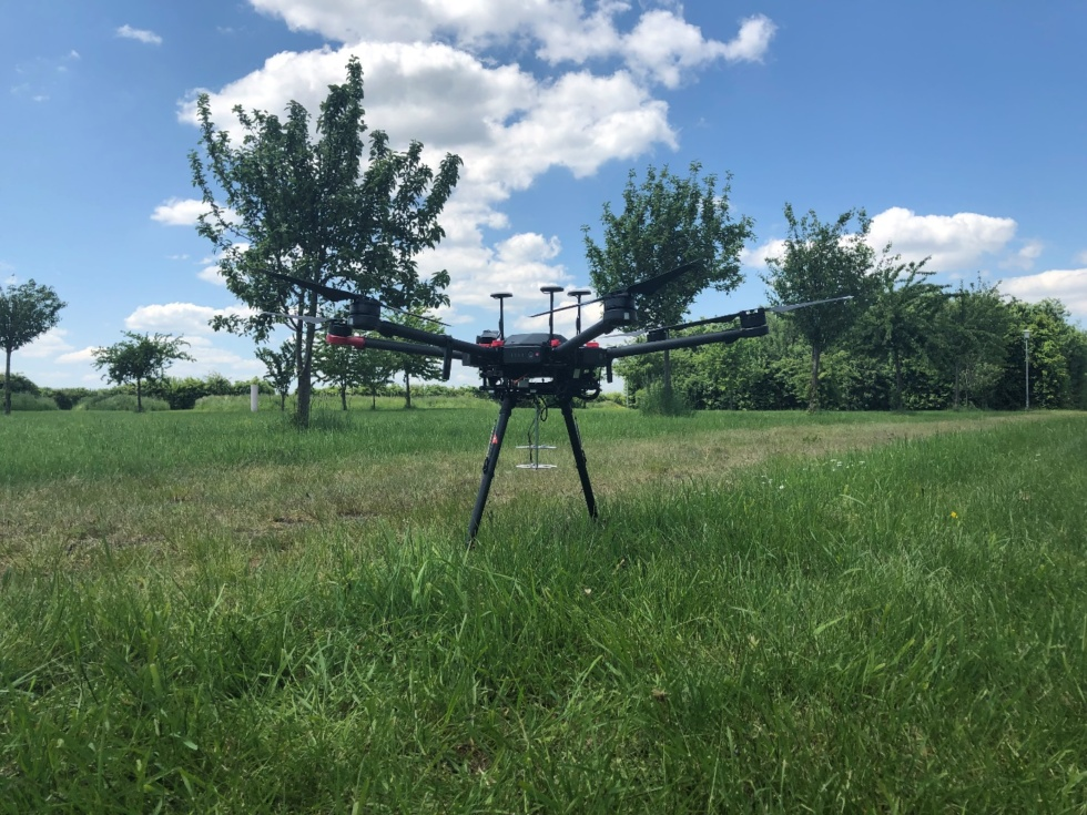 dron_mic
